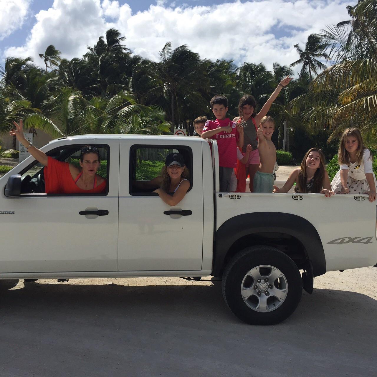 samantha_viaje_punta_cana_camioneta