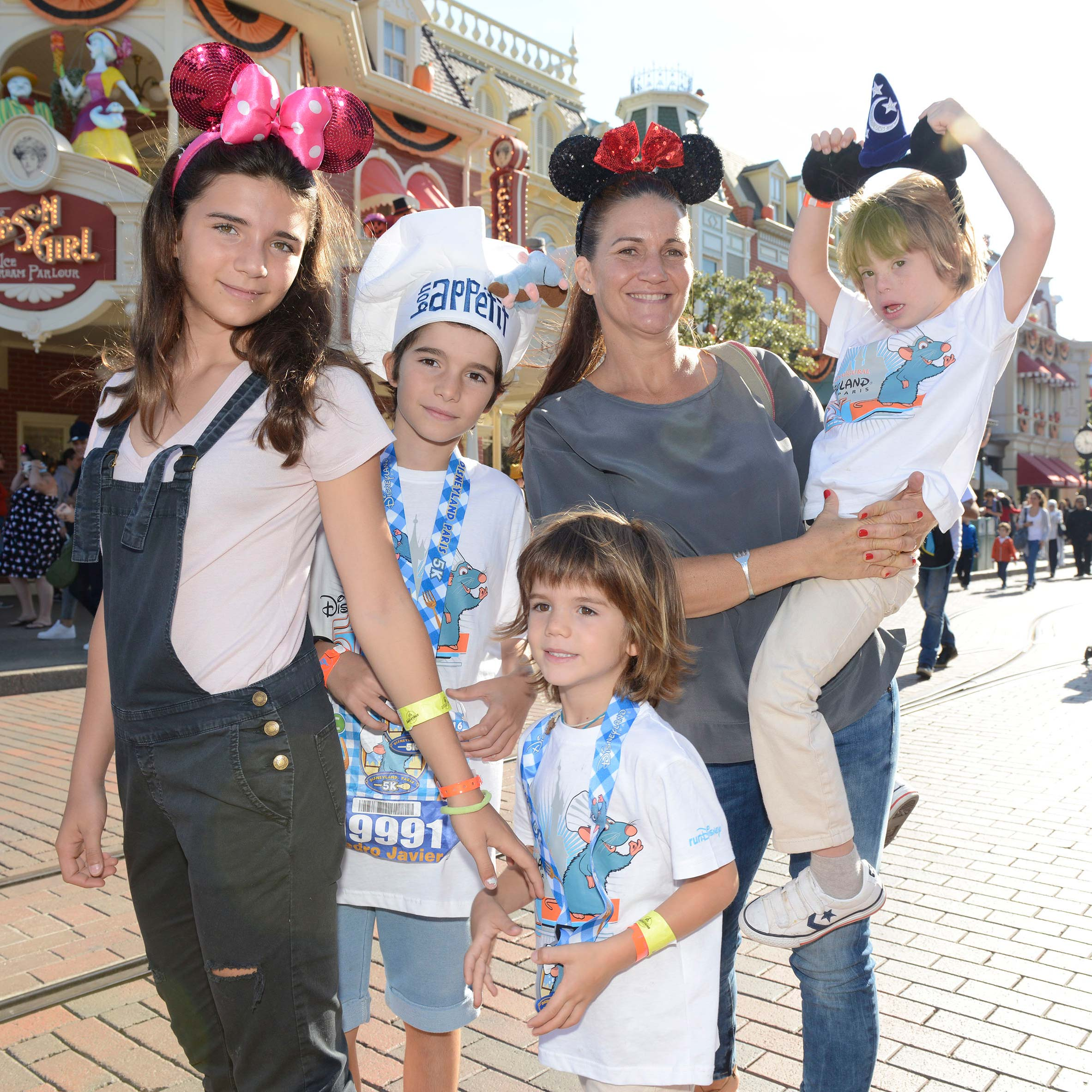 samantha_disneyland_paris_familia